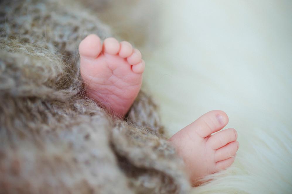fotografin-newbornshooting-neugeborenes-babyshooting-babyfotos-schwangerschaftsshooting-aachen-herzogenrath-uebach-palenberg-geilenkirchen-koeln-duesseldorf-heinsberg-nrw-portfolio_002