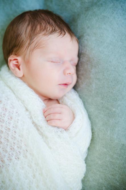 fotografin-newbornshooting-neugeborenes-babyshooting-babyfotos-schwangerschaftsshooting-aachen-herzogenrath-uebach-palenberg-geilenkirchen-koeln-duesseldorf-heinsberg-nrw-portfolio_003