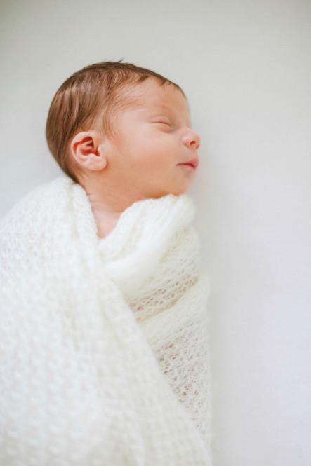 fotografin-newbornshooting-neugeborenes-babyshooting-babyfotos-schwangerschaftsshooting-aachen-herzogenrath-uebach-palenberg-geilenkirchen-koeln-duesseldorf-heinsberg-nrw-portfolio_012