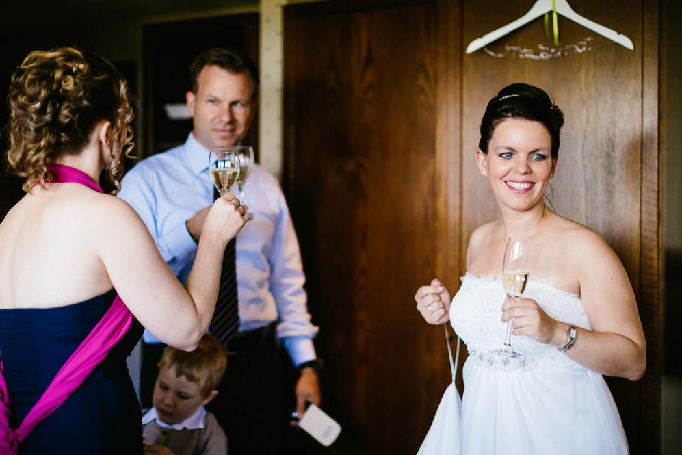 Hochzeitsfotografin_Buehl_Burg_Windeck_Badem_Wuerttemberg_Julia_Fot_featured_001_022