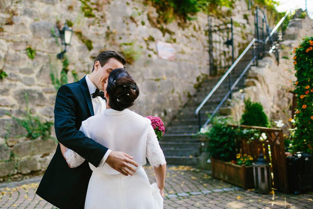 Hochzeitsfotografin_Buehl_Burg_Windeck_Badem_Wuerttemberg_Julia_Fot_featured_001_024