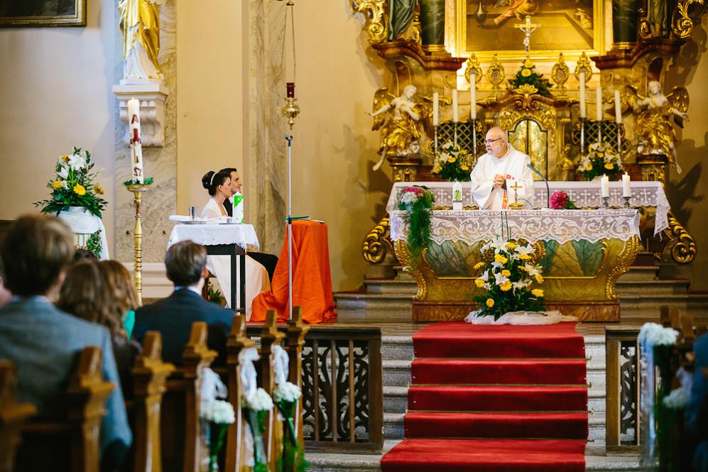 Hochzeitsfotografin_Buehl_Burg_Windeck_Badem_Wuerttemberg_Julia_Fot_featured_001_043