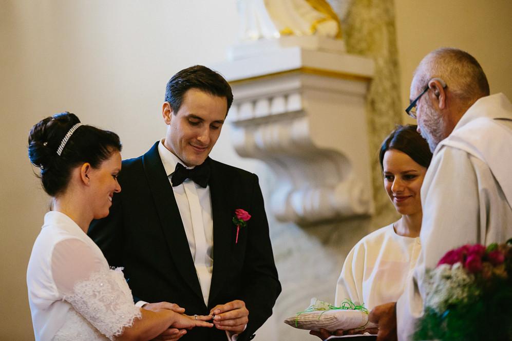 Hochzeitsfotografin_Buehl_Burg_Windeck_Badem_Wuerttemberg_Julia_Fot_featured_001_049