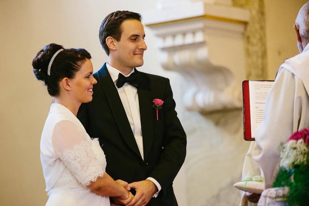 Hochzeitsfotografin_Buehl_Burg_Windeck_Badem_Wuerttemberg_Julia_Fot_featured_001_051