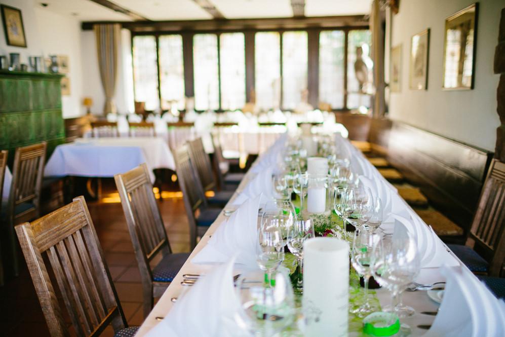 Hochzeitsfotografin_Buehl_Burg_Windeck_Badem_Wuerttemberg_Julia_Fot_featured_001_080