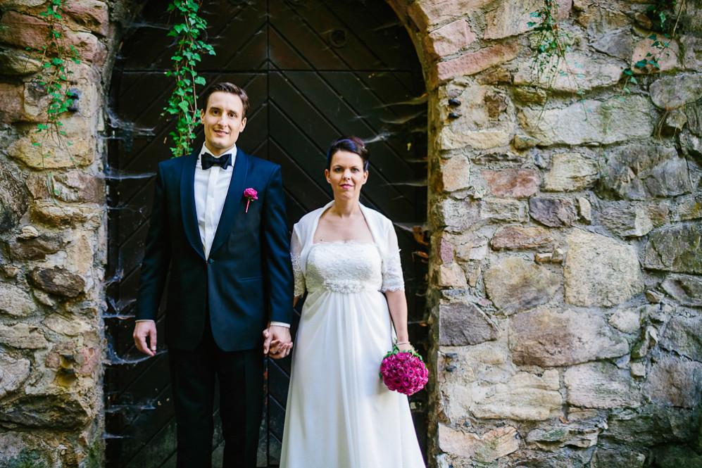 Hochzeitsfotografin_Buehl_Burg_Windeck_Badem_Wuerttemberg_Julia_Fot_featured_001_094