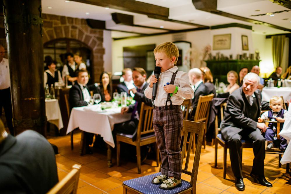 Hochzeitsfotografin_Buehl_Burg_Windeck_Badem_Wuerttemberg_Julia_Fot_featured_001_107