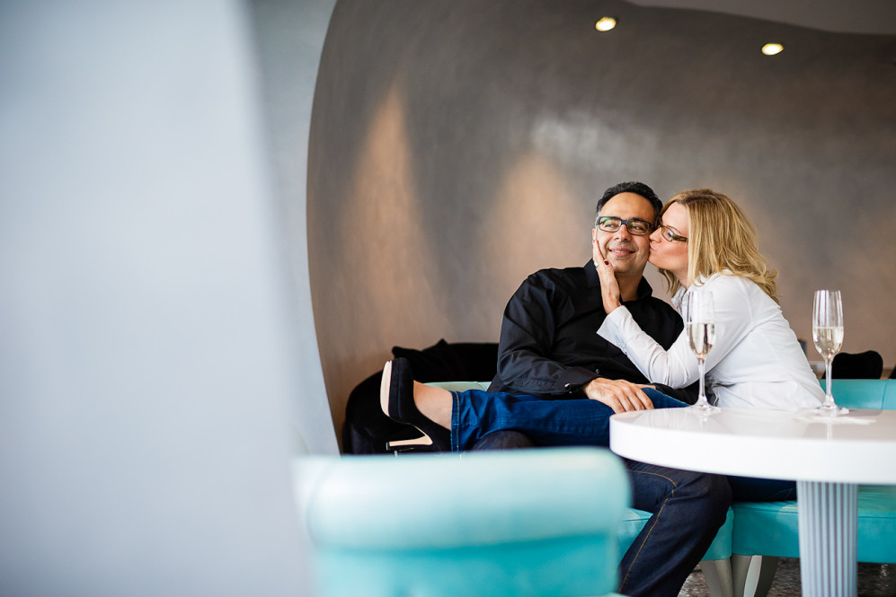 engagement_shooting_duesseldorf_hafen_hyatt_pebbles_verlobung_hochzeitsfotografin_julia_fot_featured_008